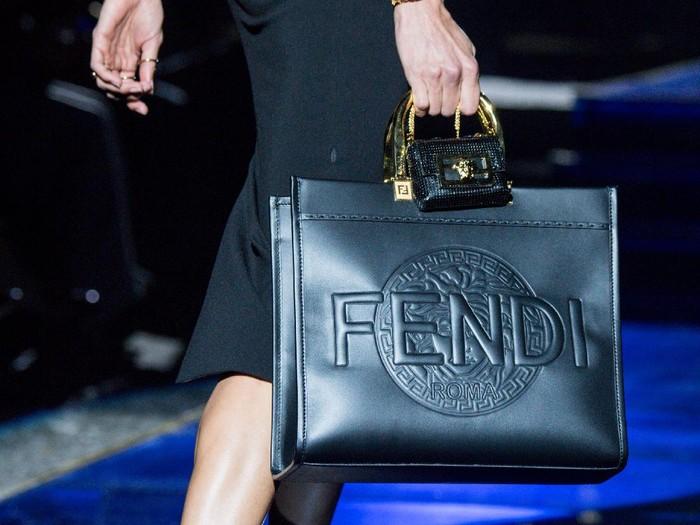 Donatella Versace dan Kim Jones - Fendace