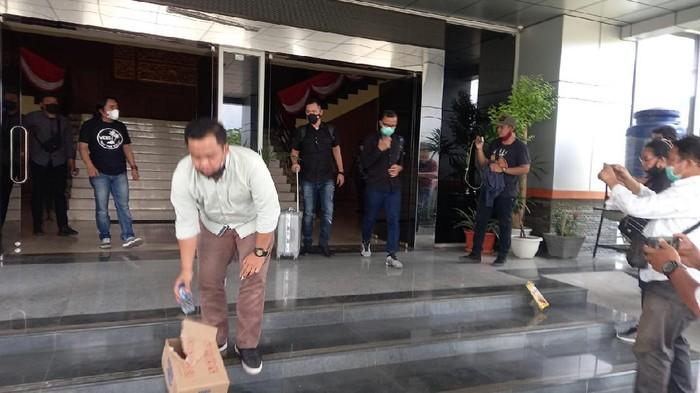 KPK geledah DPRD Muara Enim (dok. Istimewa)