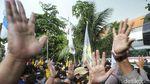 Memanas, Massa BEM SI dan Polisi Saling Dorong di KPK