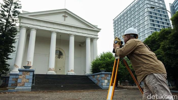 GPIB Immanuel Jakarta tengah direvitalisasi. Revitalisasi Gereja Immanuel dilakukan dalam rangka pengembangan destinasi wisata religi Pemprov DKI Jakarta.