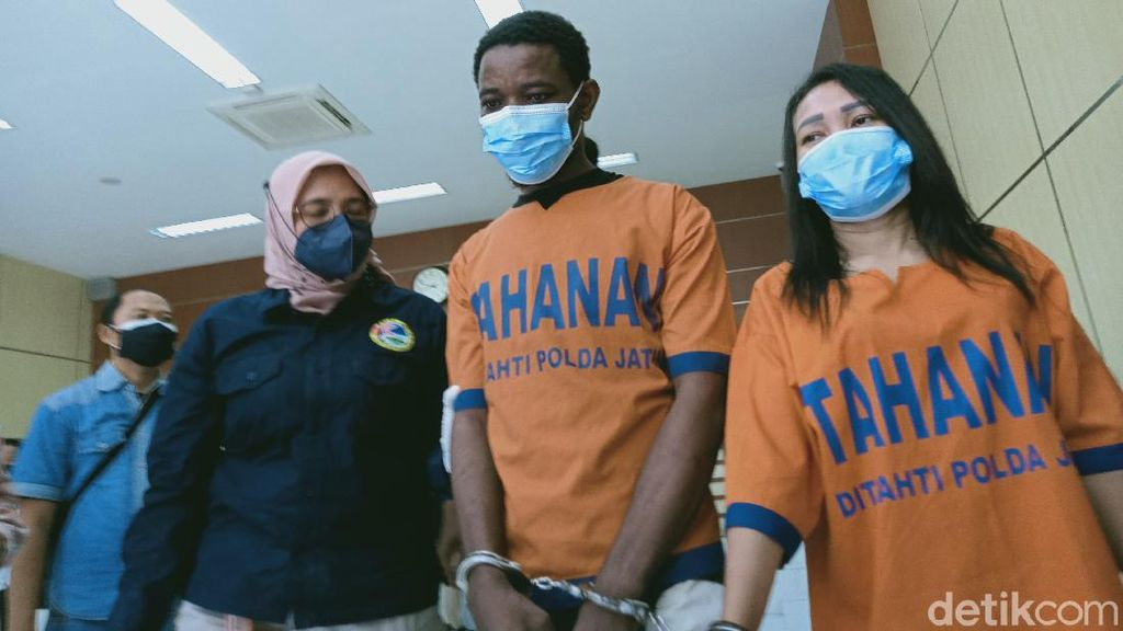 Otak Penyelundupan Sabu 3 Kg ke Surabaya WN Nigeria dan Kekasihnya WNI