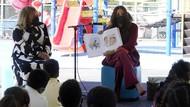 Gaya Mewah Meghan Markle saat Kunjungan ke SD Negeri Jadi Sorotan