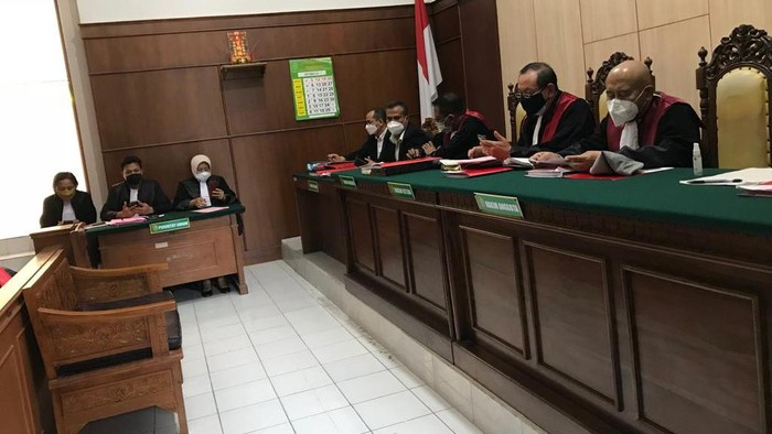 pejabat bumn divonis karena menikah siri