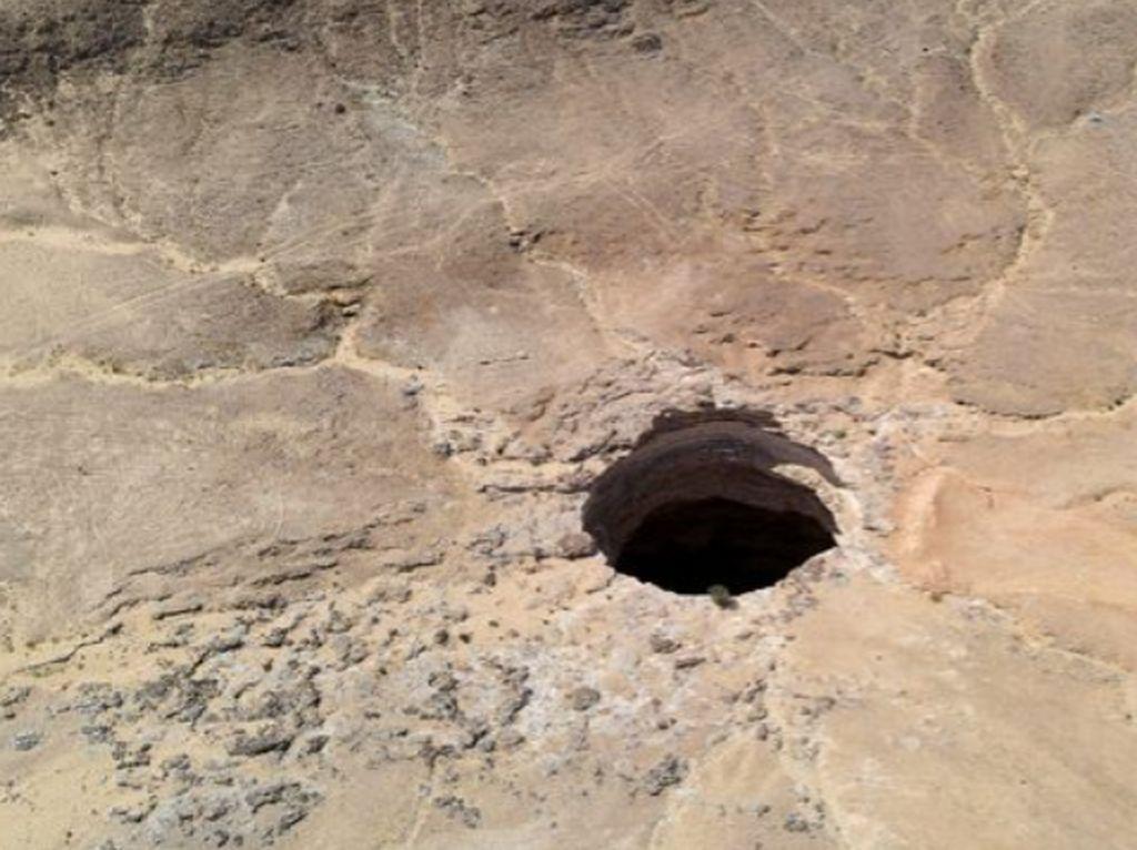Dasar Sumur Neraka Yaman, Ternyata Begini Isinya