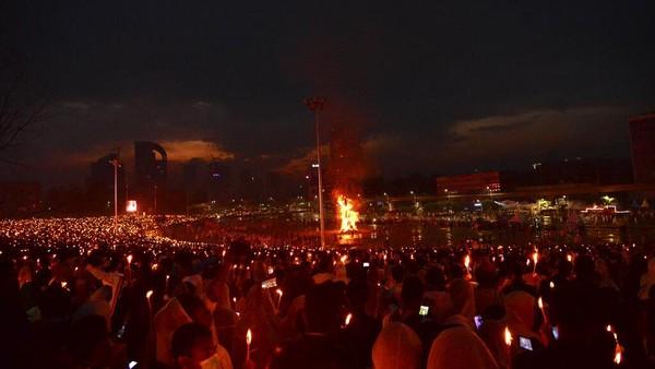 Festival Meskel untuk memperingati penemuan Salib Sejati dihadiri ribuan umat Kristen Ortodoks.