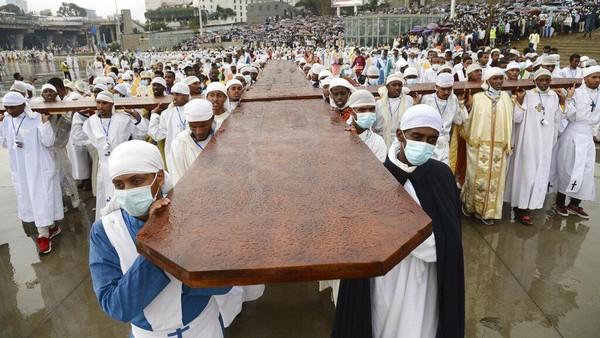 Festival Maskel dirayakan di seluruh Ethiopia pada Minggu (26/9/2021) waktu setempat.