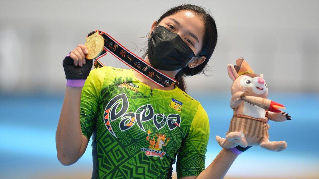 Aksi Atlet Sepatu Roda Putri Papua yang Bawa Pulang Emas di PON 2020