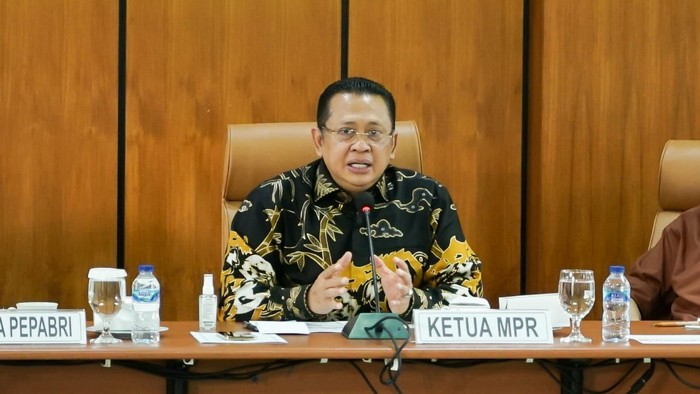 Bamsoet Puji Purnawirawan TNI-Polri Dukung Amandemen UUD