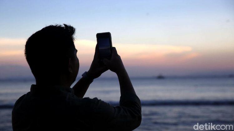 Berburu Matahari Terbenam di Pantai Sebalang Lampung