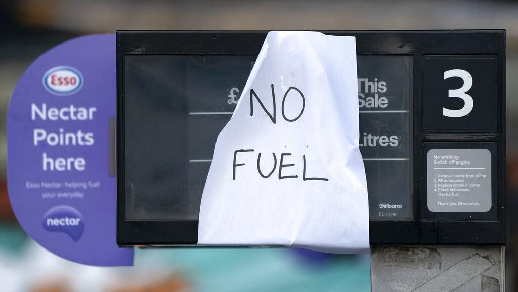 Antrean Panjang di SPBU, Inggris Krisis Pasokan BBM