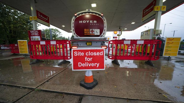 Dihantam Krisis, BBM Langka di Inggris