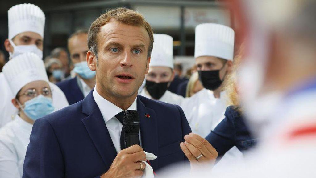 Macron Dilempar Telur, Mahasiswa 19 Tahun Ditahan