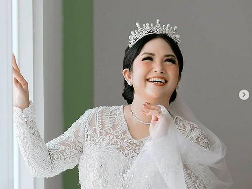 7 Potret Joy Tobing Dinikahi Kolonel TNI, Tampil Bak Princess