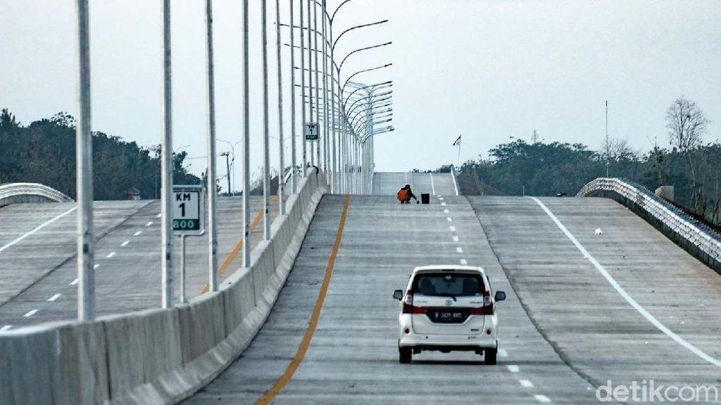 Menjajal Tol ke Bandara Kertajati yang Bakal Rampung