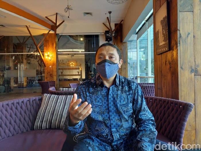 Ketua Perhimpunan Hotel dan Restoran Indonesia (PHRI) Jatim Dwi Cahyono mengatakan, medical tourism atau wisata medis di Surabaya tepat untuk dimulai. Sebab, terdapat banyak fasilitas yang mendukung wisatawan. Seperti keahlian dokter, RS dan akomodasi.