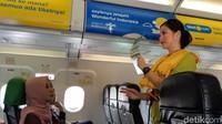 Apa yang Terjadi Jika Pintu Darurat Pesawat Dibuka Saat Terbang?
