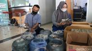 Potret 9 Galon Uang Koin Dipakai Pria Makassar Beli Mobil Rp 271 Juta