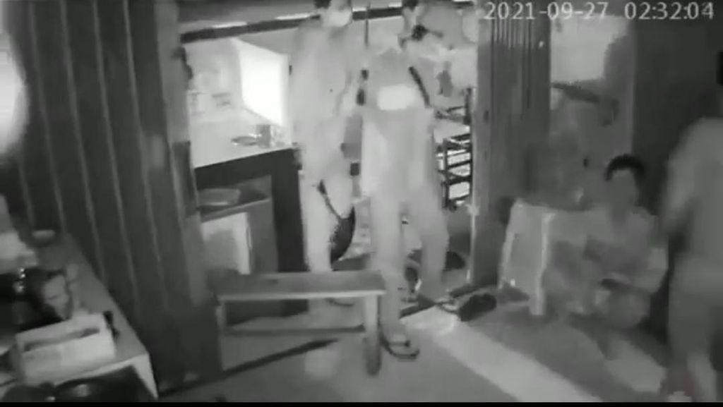 Viral Komplotan Perampok Bercelurit Beraksi di Jaksel, Polisi Turun Tangan