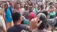 Momen Warga Aceh Ngamuk di Lokasi Vaksin-Pukul Dokter Wanita