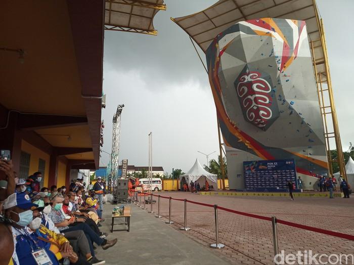 Suasana venue sebelum berantakan di hantam hujan dan angin kencang