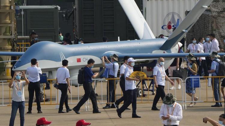 China kembali menggelar airshow usai tertunda setahun karena pandemi. Ratusan pesawat dipamerkan di sana, salah satunya pesawat amfibi terbesar di dunia.