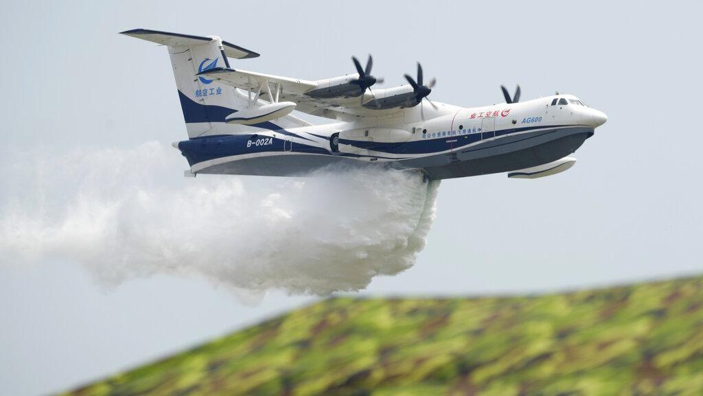 Wow, Pesawat Amfibi Terbesar Dunia Mejeng di Airshow China