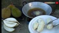 Hobi Goreng Buah, Youtuber Ini Sebut Durian Gosong Rasanya Enak