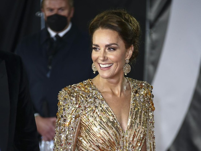 Kate the Duchess of Cambridge poses for photographers upon arrival for the World premiere of the new film from the James Bond franchise No Time To Die, in London Tuesday, Sept. 28, 2021. (Photo by Joel C Ryan/Invision/AP)