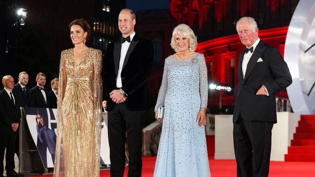 Gaya Kate Middleton-Camilla di Gala Premiere Film James Bond