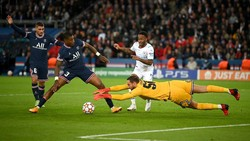 Donnarumma Bikin Debut Gemilang di Liga Champions