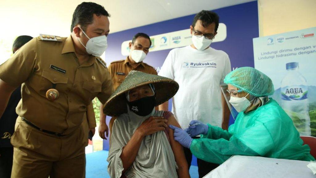 Pemulung dan Pelapak Divaksin di Tangerang