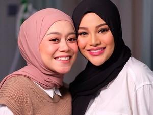 Gaya Duo Bumil Lesti Kejora dan Aurel, Perut Istri Rizky Billar Bikin Salfok