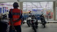 Viral Parkir Gratis Indomaret Bekasi, Lapor Polisi Jika Dimintai Uang Parkir