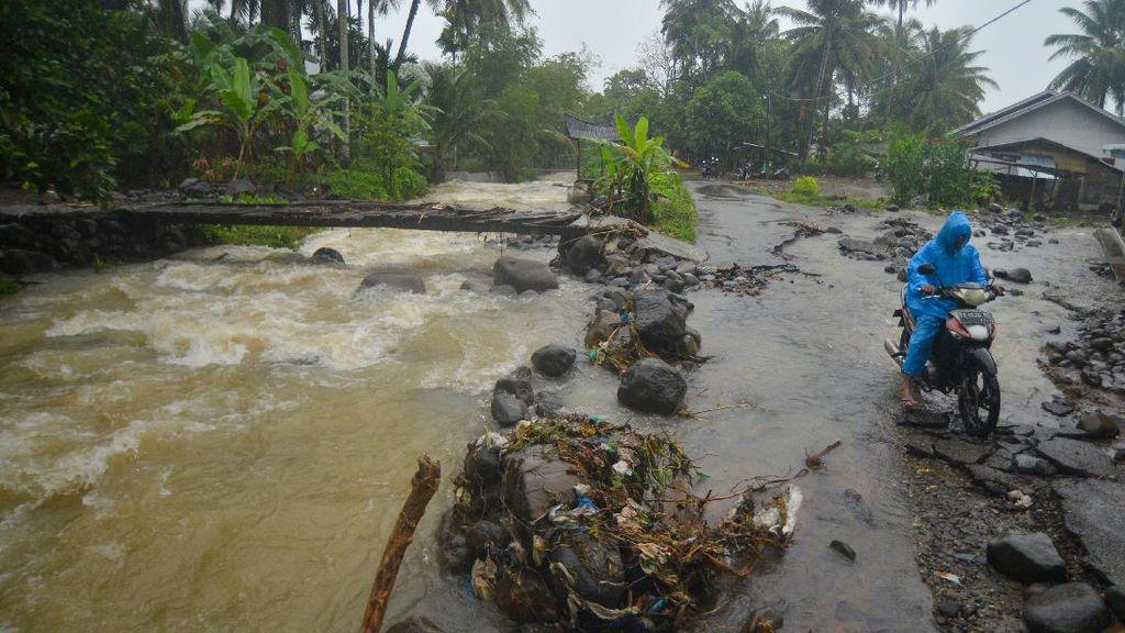 Korban Tewas Akibar Banjir Bandang-Longsor di Pariaman Jadi 4 Orang