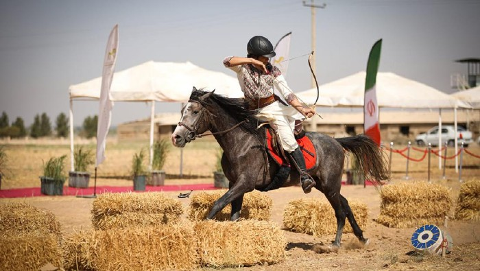 Atlet Panahan Berkuda Indonesia, Muhammad Yahya Ayyas berlaga pada Kategori Qabaq atau Turkish Style The 2nd Silk Road Cup & 16th World Horseback Archery Championship di Tehran, Iran, 18-21 September 2021.
