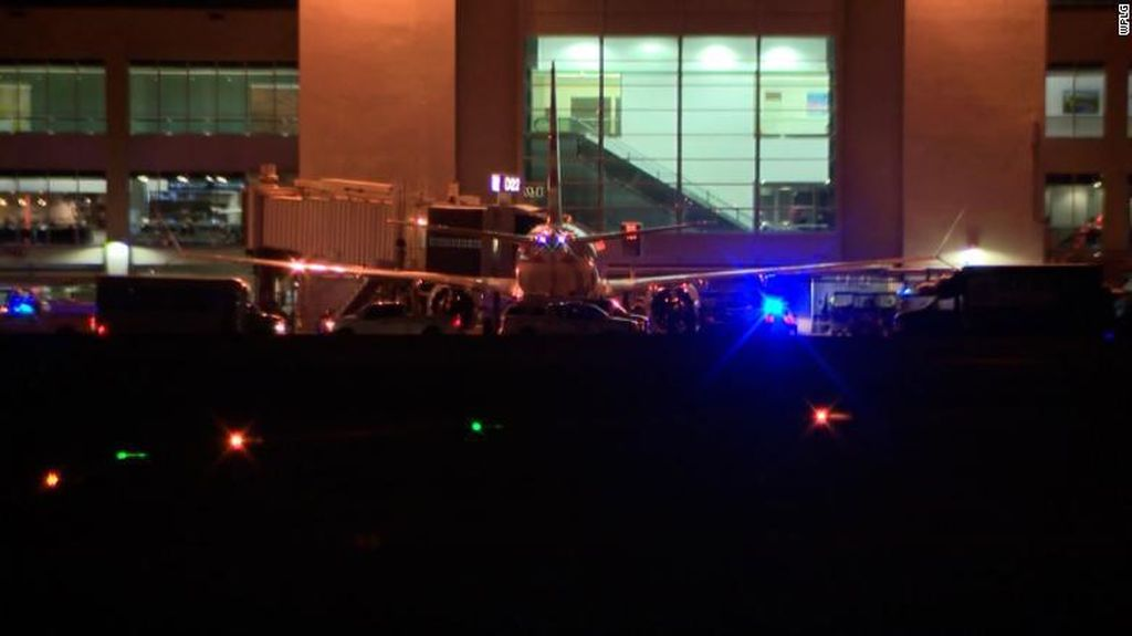 Ada-ada saja! Penumpang Buka Pintu Darurat Pesawat Usai Mendarat
