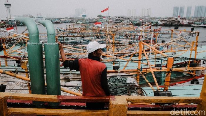 Sejumlah nelayan di Ibu Kota ramai-ramai melakukan mogok kerja sebagai penolakan terhadap kebijakan pemerintah soal PNBP.