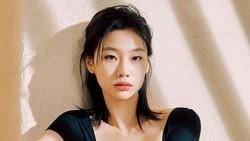 Squid Game Terpopuler Sedunia, Jung Ho Yeon Kaget Di-follow Zendaya