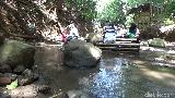 Begini Sensasi Menyantap Aneka Hidangan di Atas Aliran Sungai Lumajang