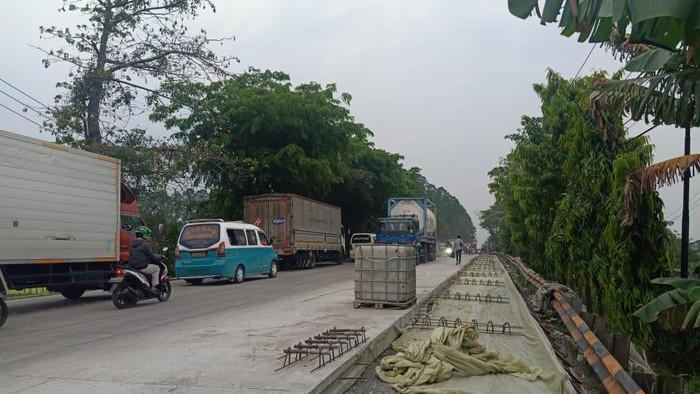 Kondisi terkini jalan yang sempat viral di Tangerang, gara-gara baru dicor langsung diinjak warga dan dilewati kendaraan