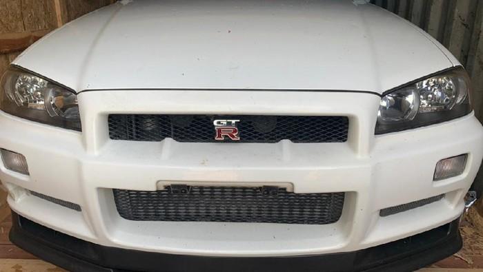 Bea Cukai lelang Nissan GT-R