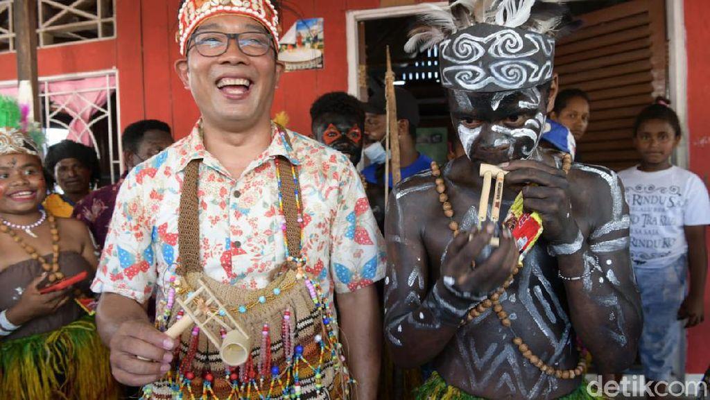 Sambangi Yoboi, Ridwan Kamil Sumbang Pembangunan Rumah Ibadah