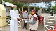 Relawan Prokes BNPB Bagikan Masker di Tempat Ibadah hingga Venue PON