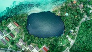 Danau Tujuh Warna, Bukti Tertua Kehidupan Bumi yang Terancam