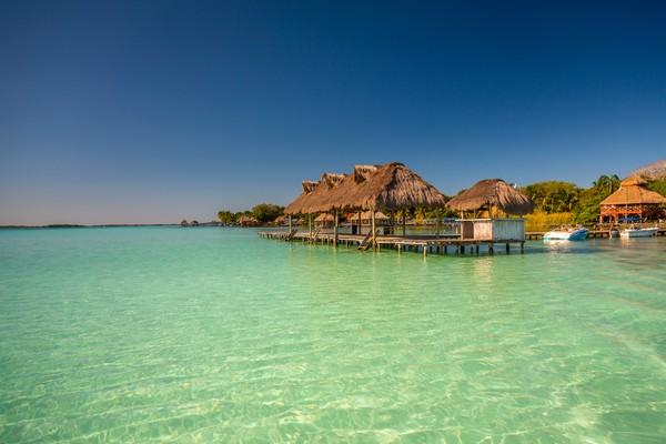 Padahal, Bacalar adalah rumah bagi terumbu mikrobialit air tawar terbesar di dunia. (Getty Images)