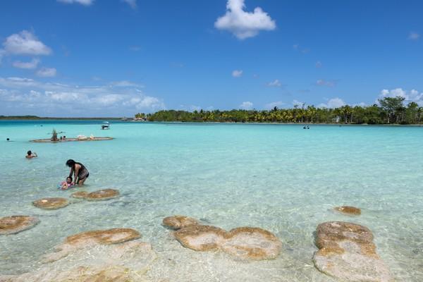 Ini mengapa Danau Bacalar mulai terancam rusak karena aktivitas pariwisata. (Getty Images)