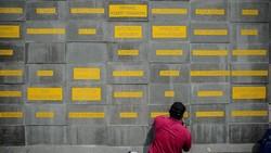 Untuk menghormati perjuangan tenaga kesehatan, Pemprov Jabar mengajukan ke pemerintah pusat menjadikan Monumen Gasibu sebagai Monumen Perjuangan Pahlawan COVID.