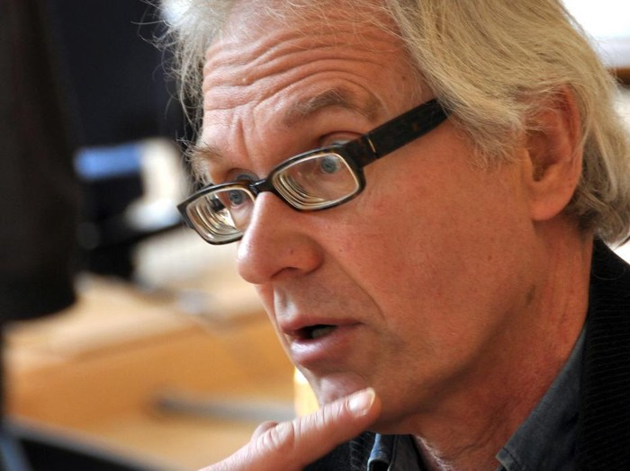 (FILES) In this file photo taken on March 13, 2015 Swedish artist Lars Vilks known for his drawing of the prophet Muhammed is awarded with the Danish freedom of the press award in Copenhagen. - Swedish cartoonist Lars Vilks, who lived under police protection after his 2007 depiction of the Prophet Mohammed prompted death threats, died October 3, 2021 in a car accident. (Photo by DAVID LETH WILLIAMS / SCANPIX DENMARK / AFP)