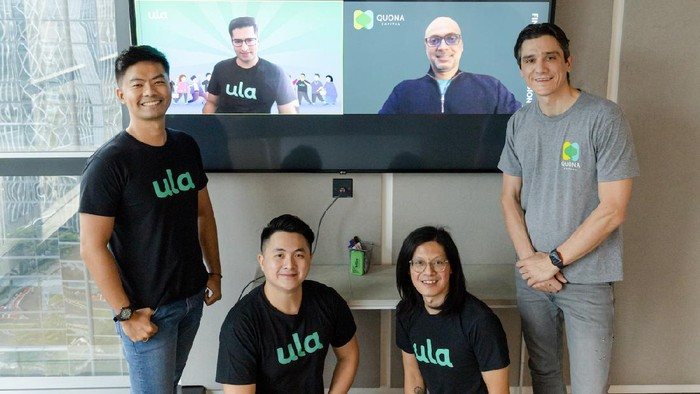 Startup Ula Disuntik Investasi oleh Jeff Bezos. Kiri ke kanan: Derry Sakti, Nipun Mehra (layar), Riky Tenggara, Ganesh Rengaswamy (layar), Alan Wong dan Dan Bertoli.