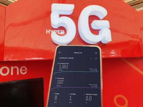 Telkomsel membawa ayanan internet super ngebut berupa 5G tersedia di PON XX Papua 2021.